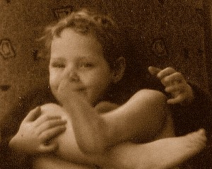 Donna aged 4 with feet a