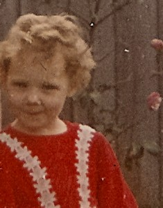 donna aged 4 red dress b